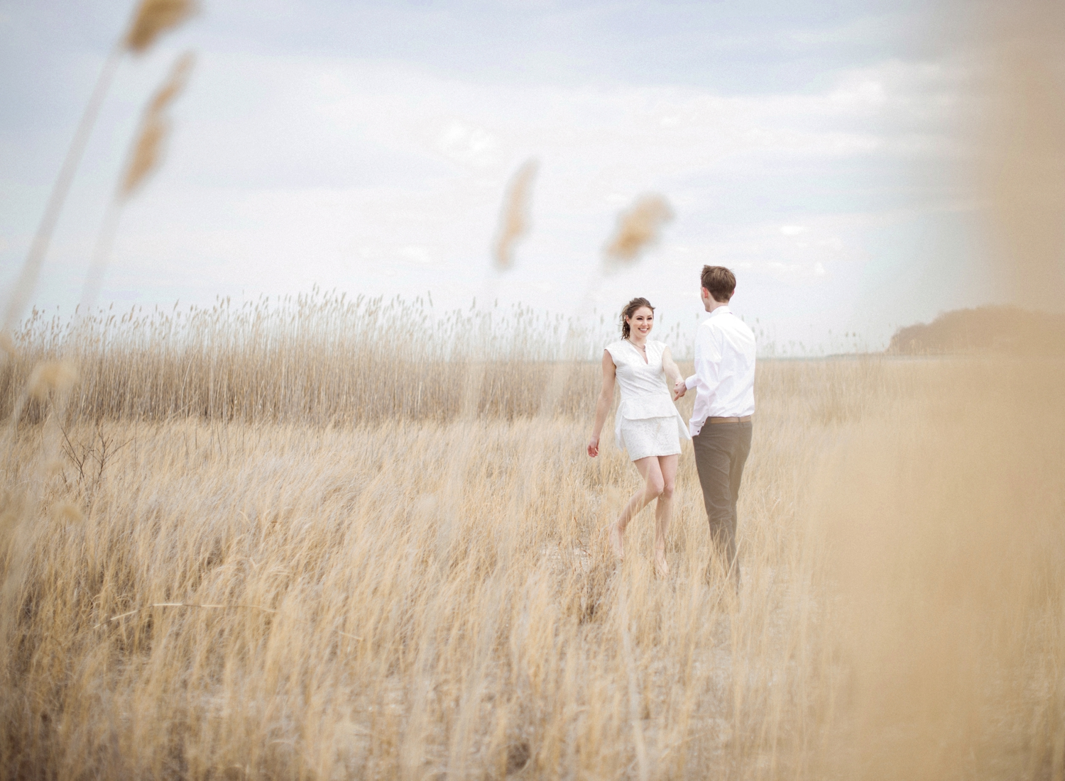 beachside engagement session on the Eastern Shore