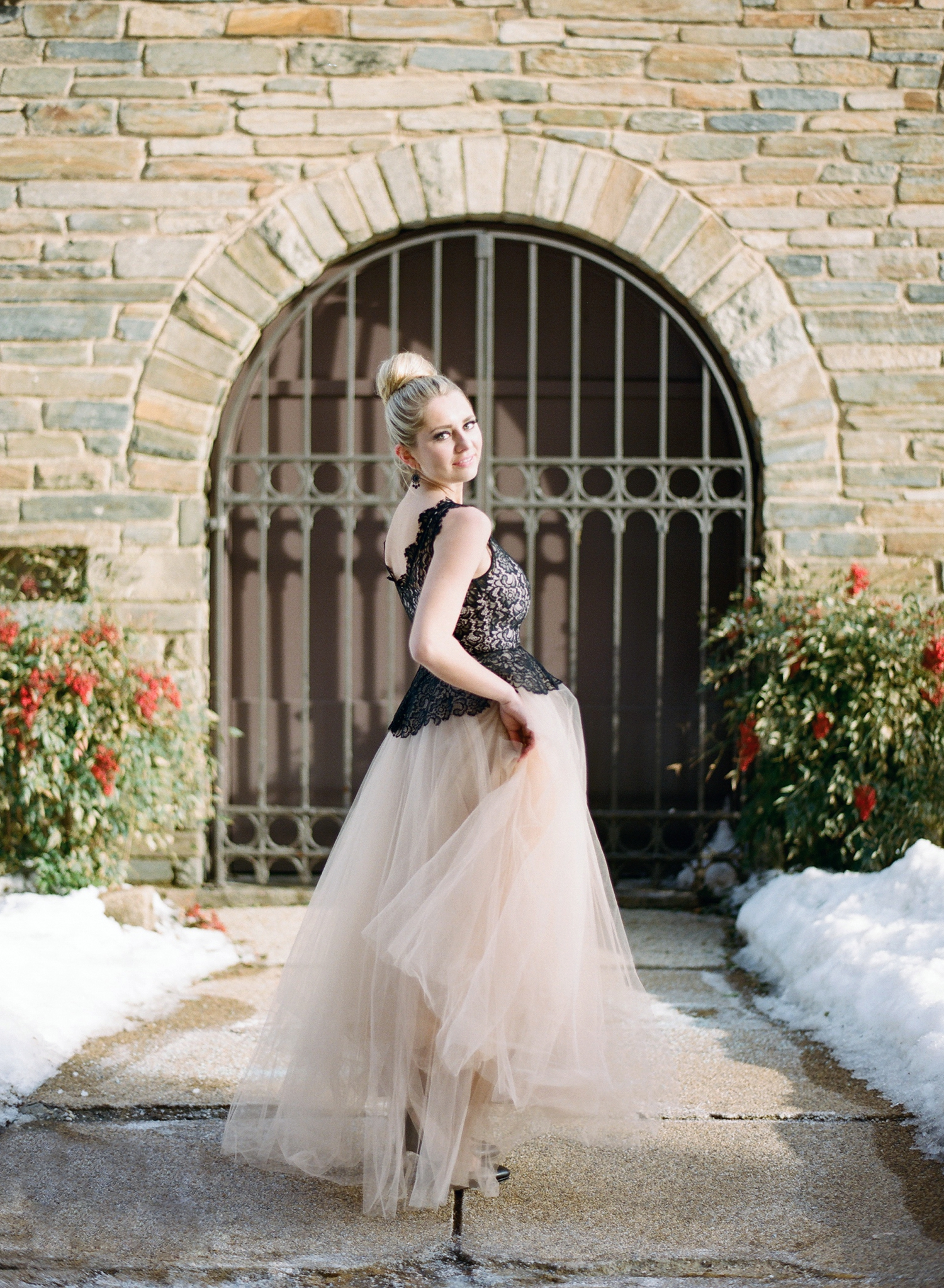 black and blush bridal inspiration