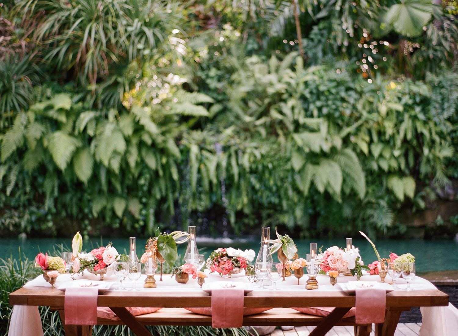 peach and blush tropical tablescape