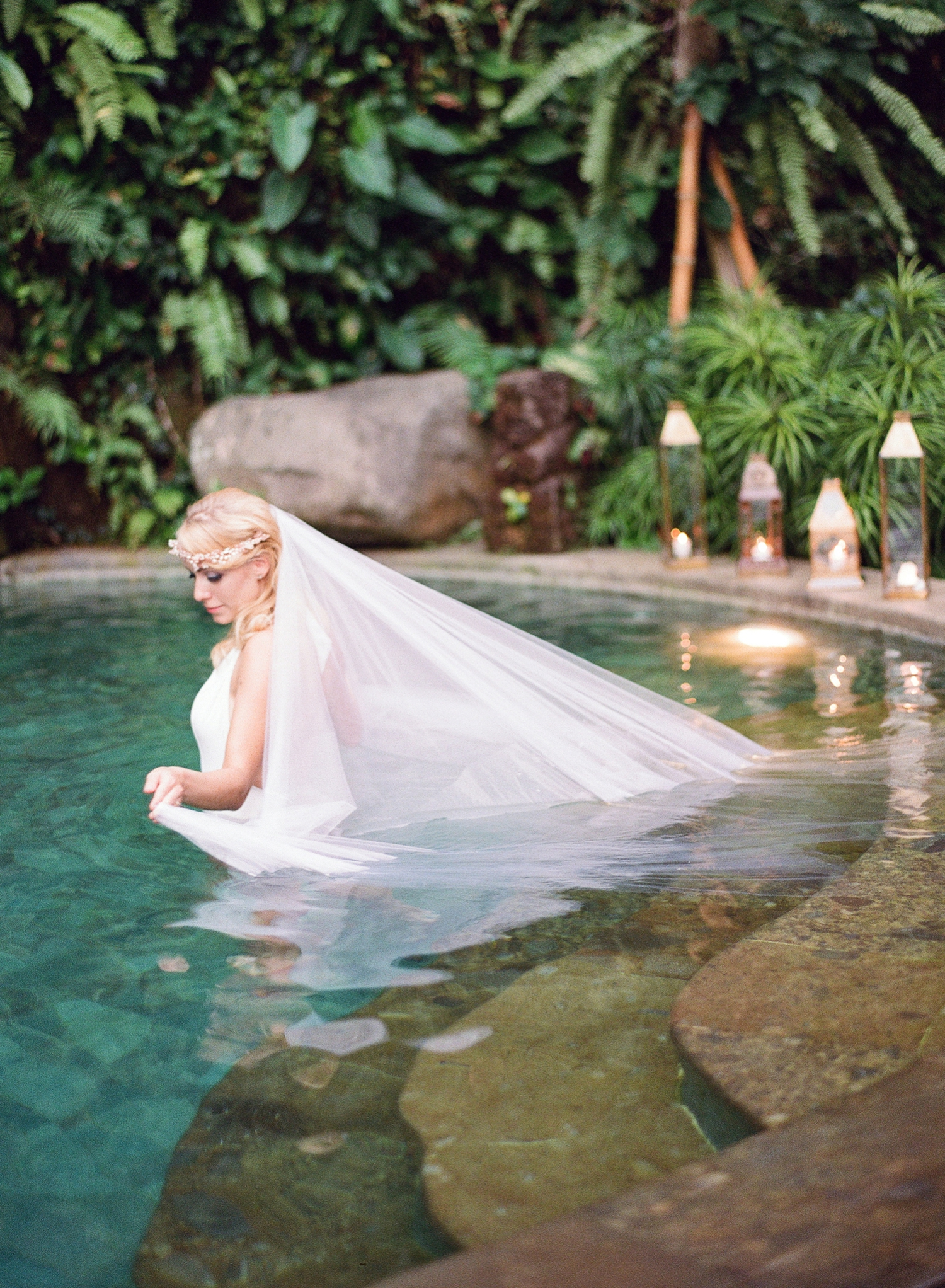 veil in water, destination bali elopement