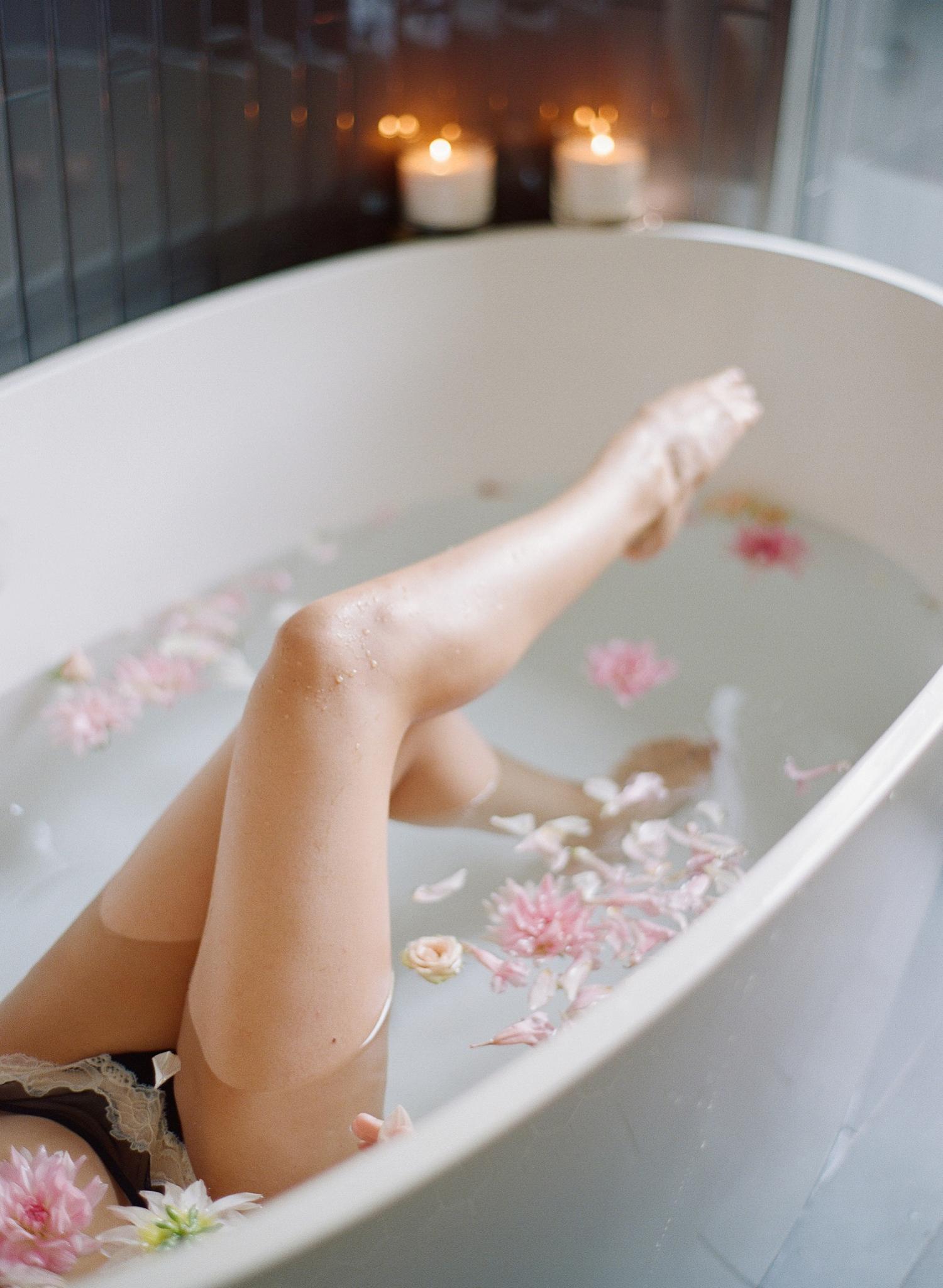 bridal boudoir bathtub photos, barcelona spain