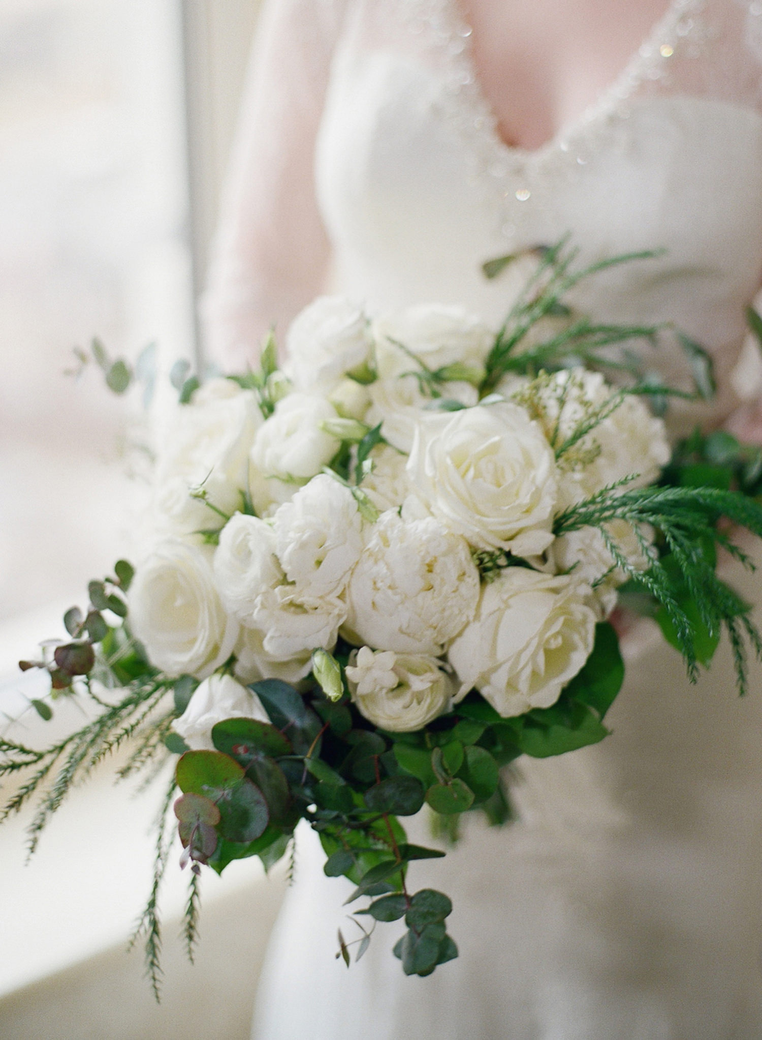 fine art wedding, winter wedding bouquet