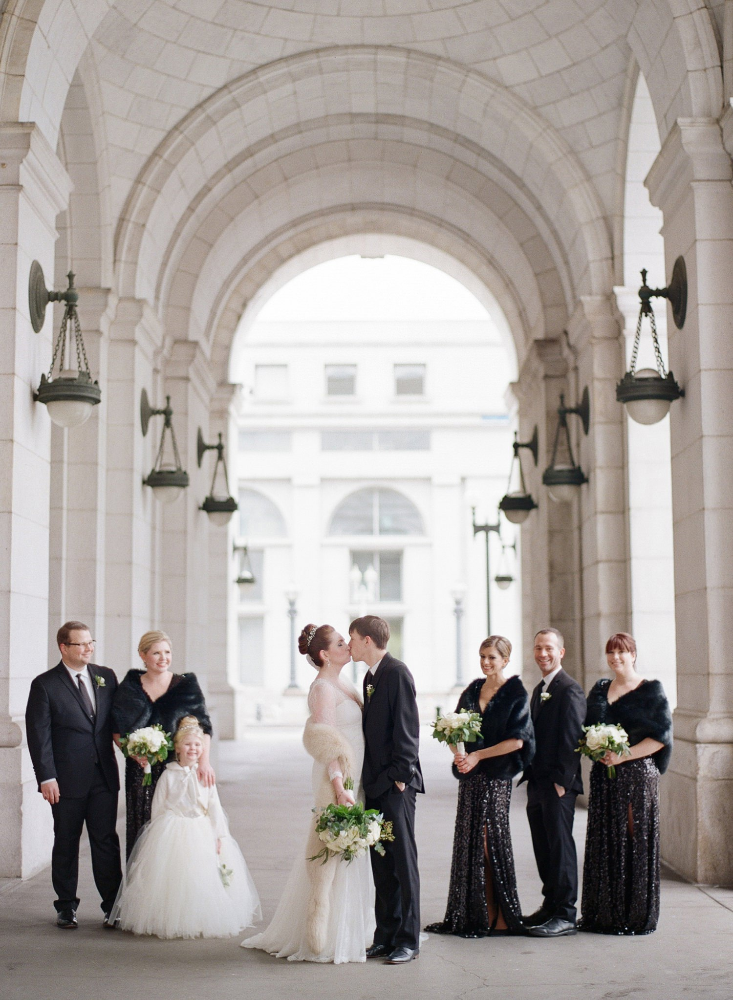 bridal party union station wedding photos