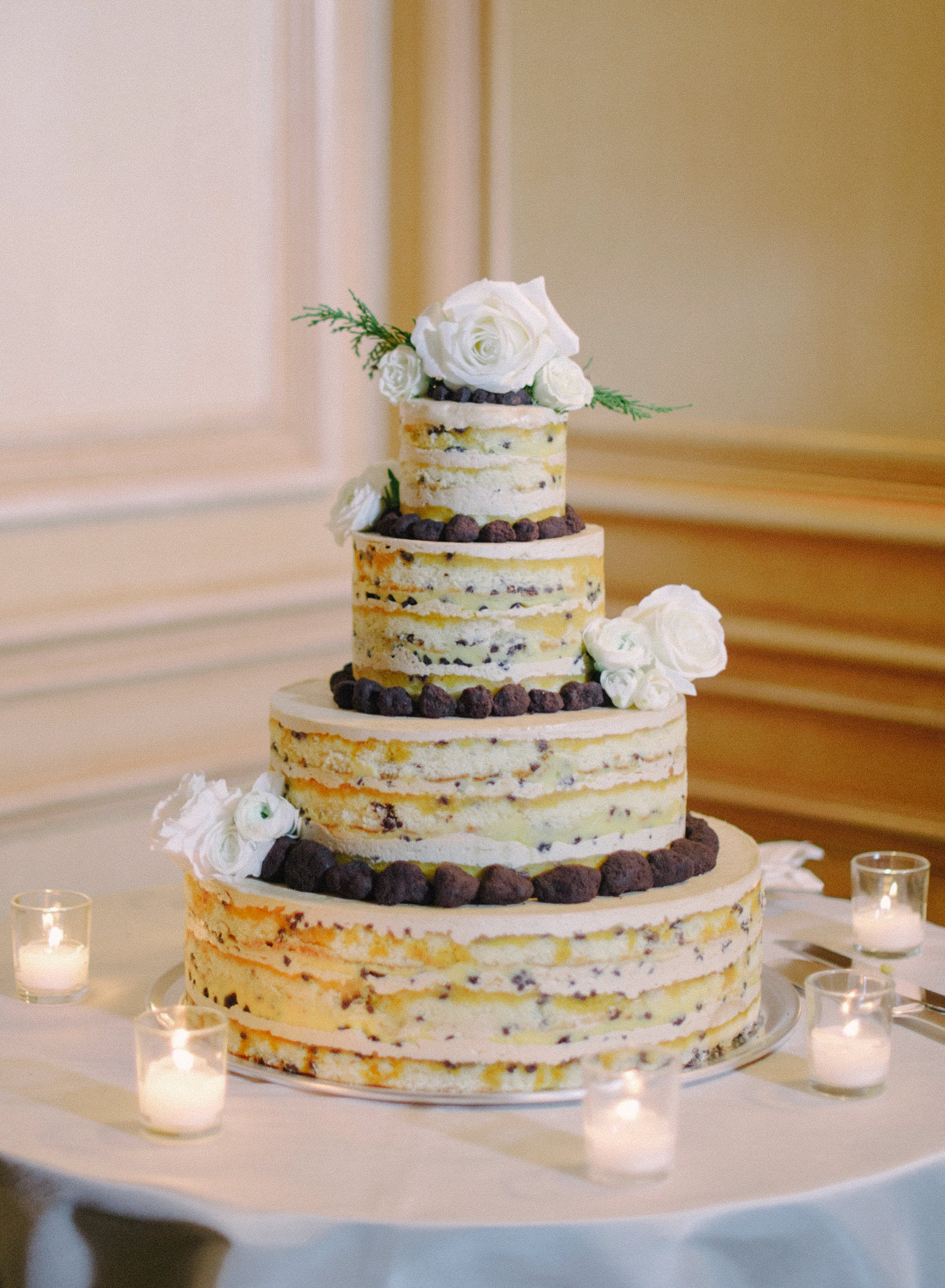 naked cake for winter wedding