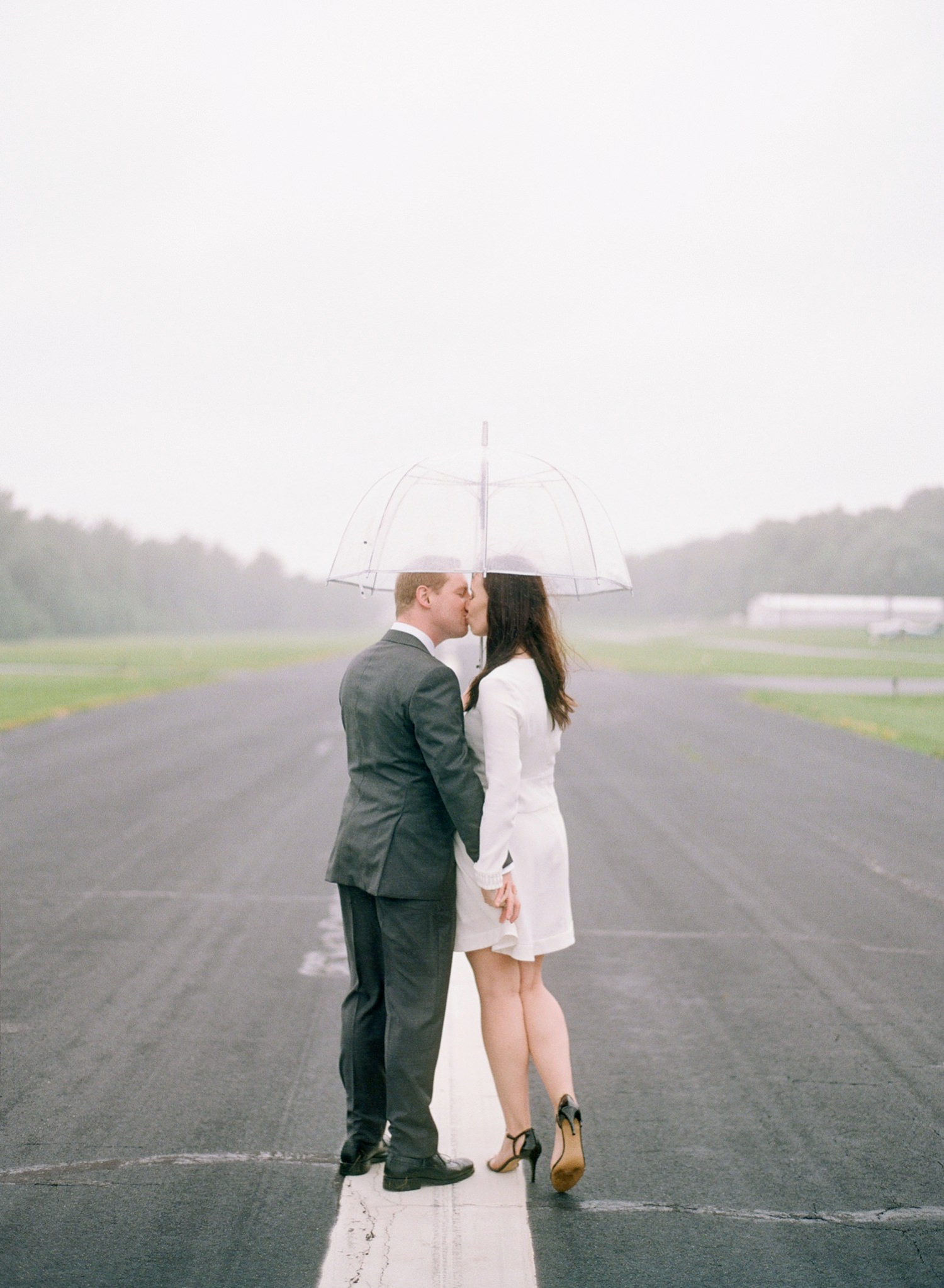 rainy day engagement photos washington dc