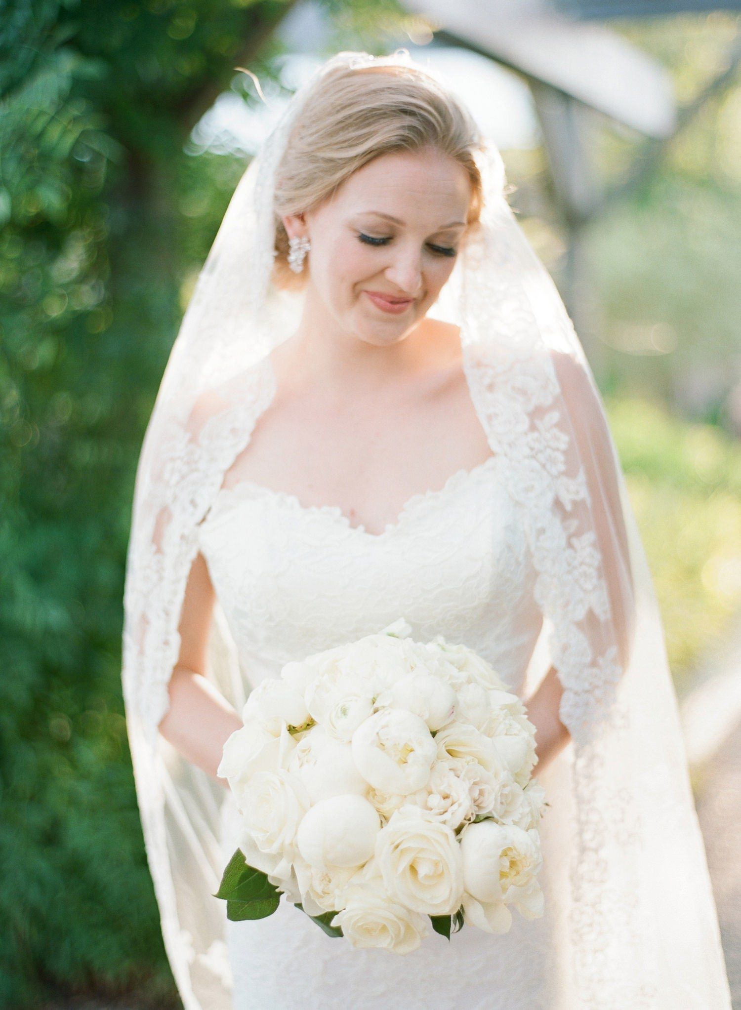 classic bridal portrait at the Salamander Resort